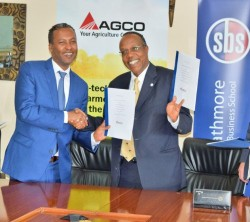 Photo AGCO AAQ Strathmore MOU Signing 2.jpg